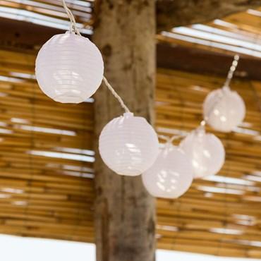 Dekolichterkette 5,25 m, 16 Lampions Ø 8 cm mit warmweißen LEDs, batteriebetrieben