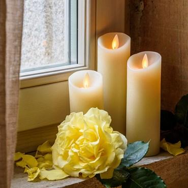 Lot de 3 bougies led, ivoire avec flamme en mouvement et télécommande Ø 5,2 cm, blanc chaud, à piles