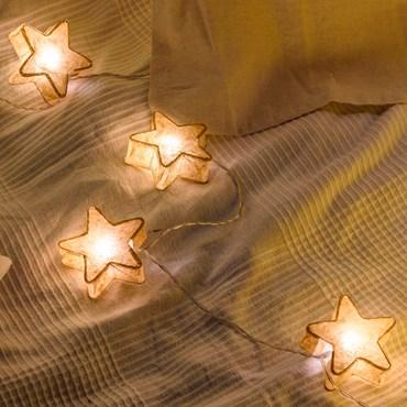 Deko-Lichterkette 10 Sterne aus beigefarbenem Papier Ø 75 mm, LED warmweiß, batteriebetrieben, innen