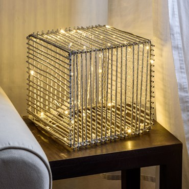 Lámpara cubo luminoso de aluminio plateado 30cm, 60 led blanco cálido