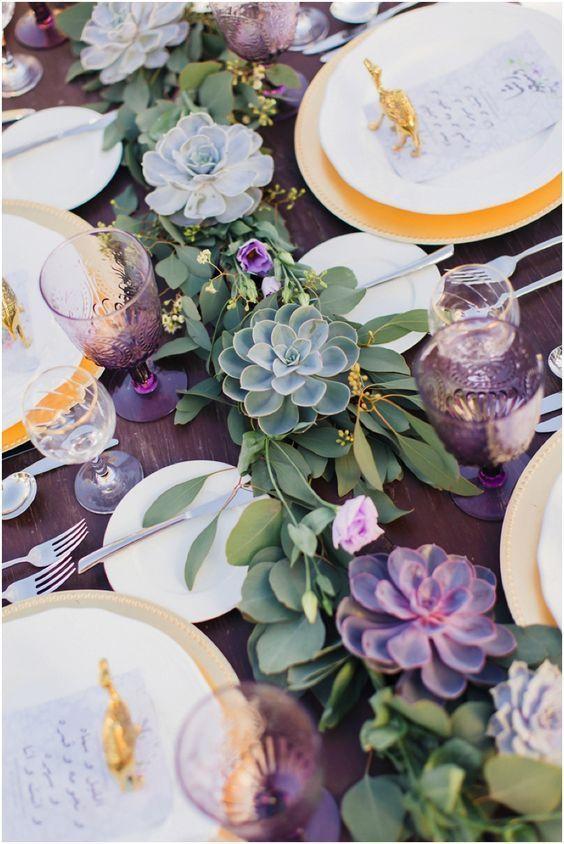 centre de table avec des cactus colores