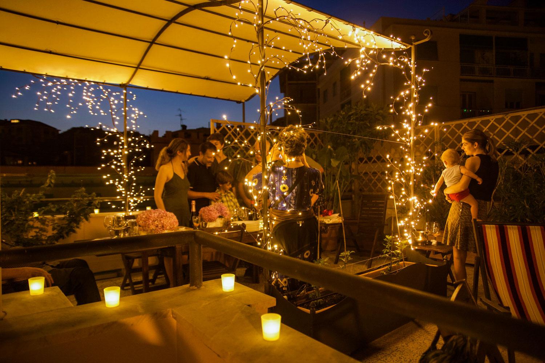 festa in terrazza con famiglia e amici