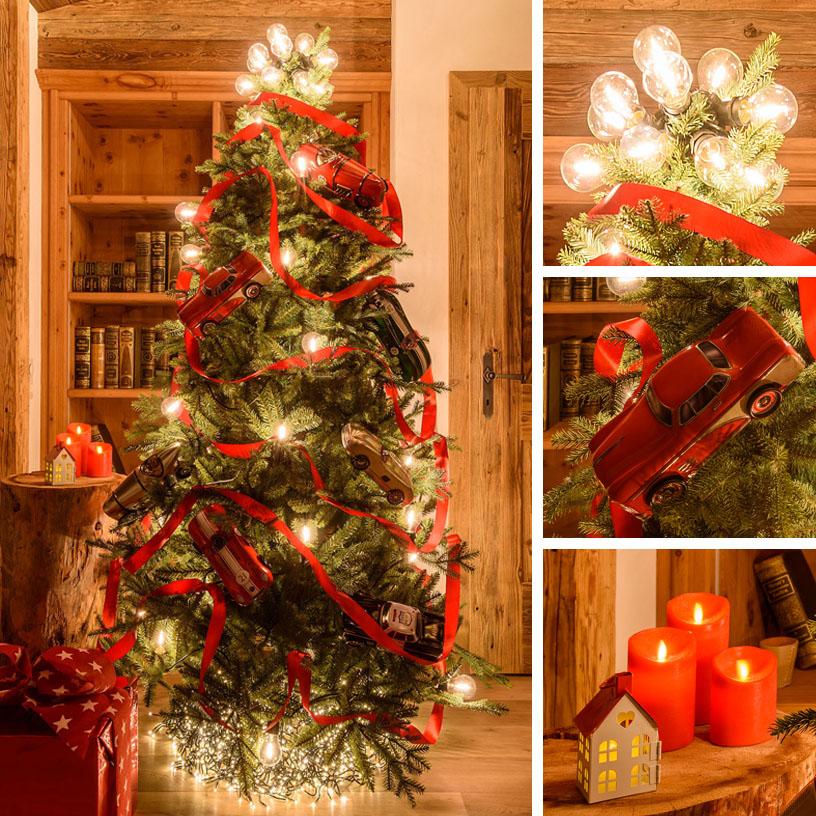 Albero di Natale moderno rosso con lampadine