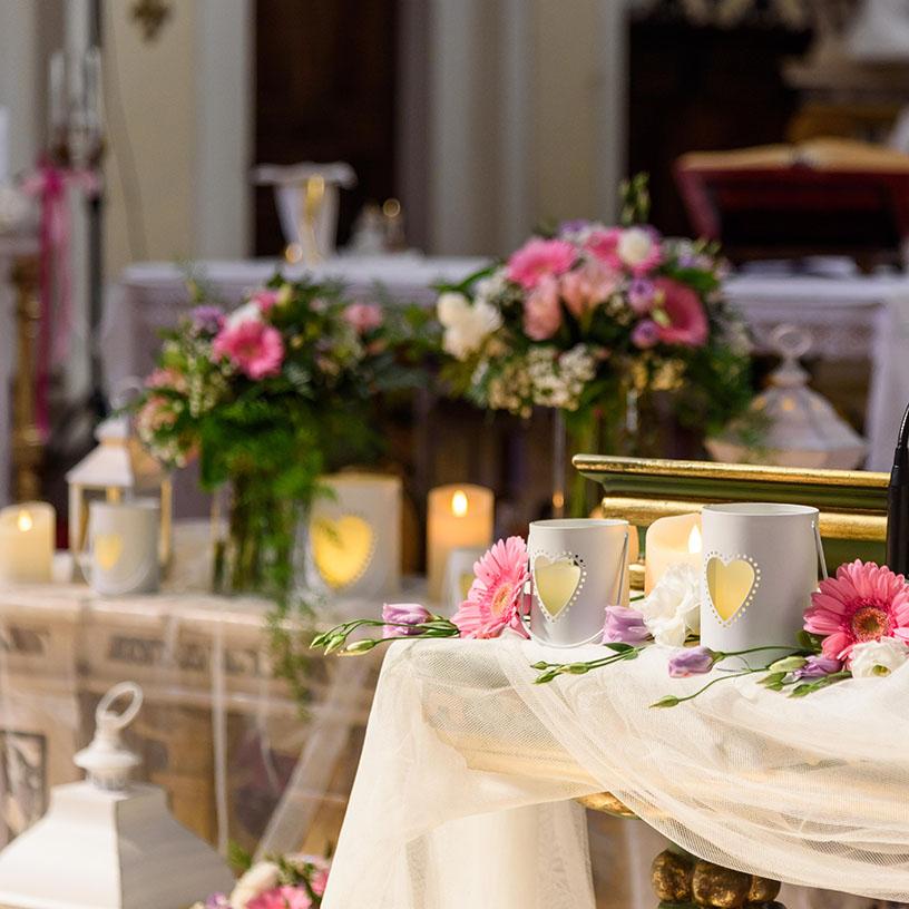 Addobbi matrimonio chiesa candele led