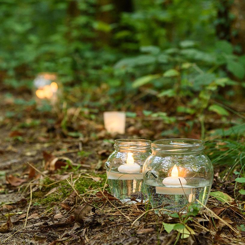 Illuminazione vialetto con tealight