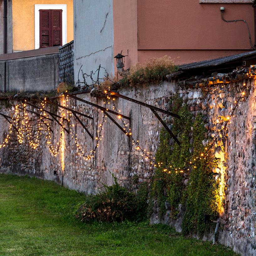 Guirnaldas de luces para decorar paredes